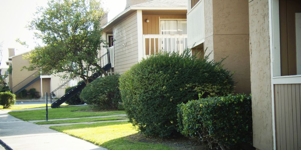 Exterior at Listing #138240