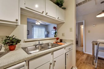 Kitchen at Listing #140510
