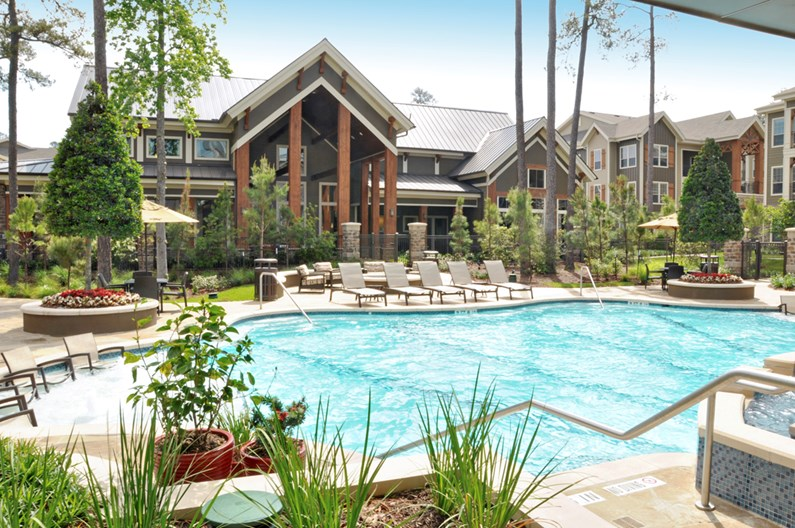 Woodlands Lodge Apartments