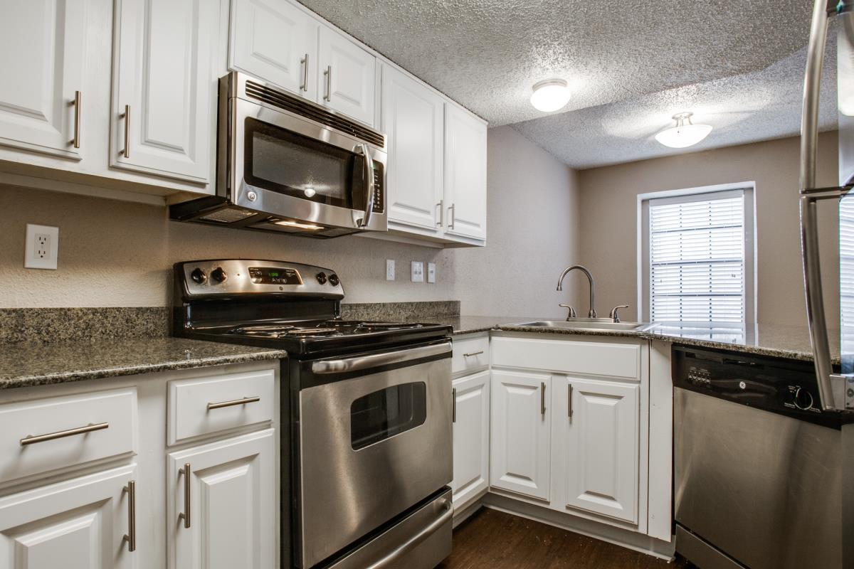 Kitchen at Listing #140533