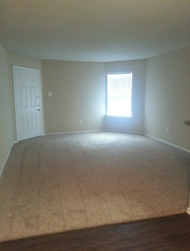 Living at Listing #137505
