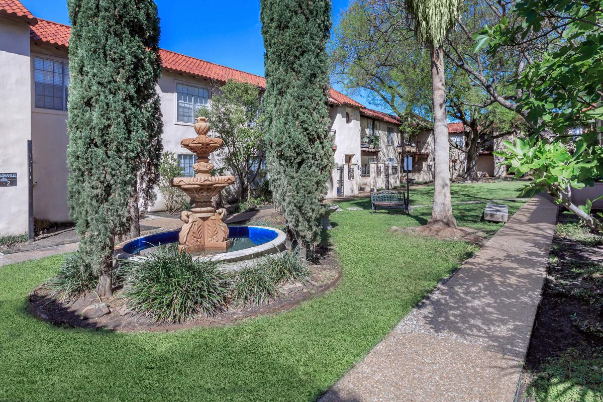 Courtyard at Listing #144050